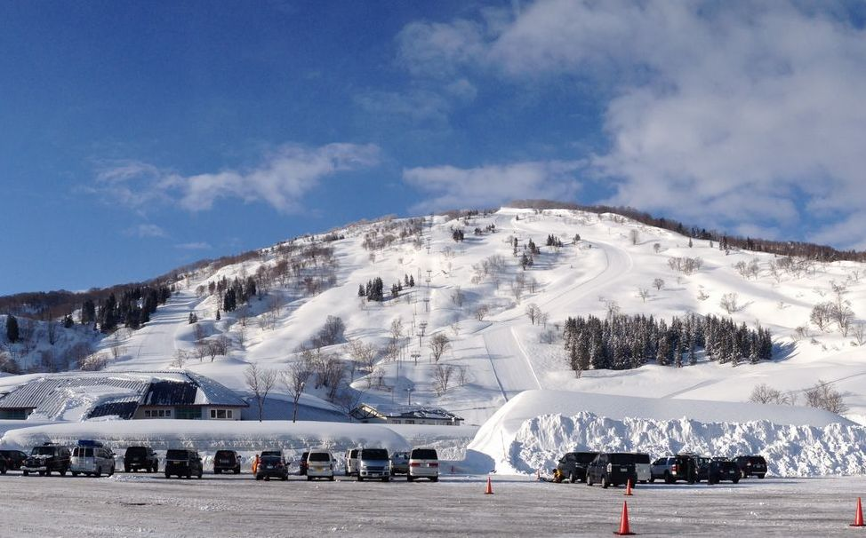 charmant hiuchi ski resort